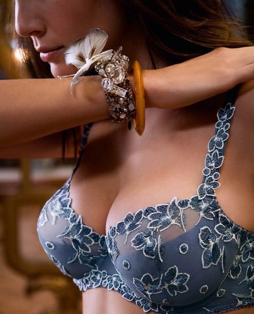 Как увеличить рост грудей без операций