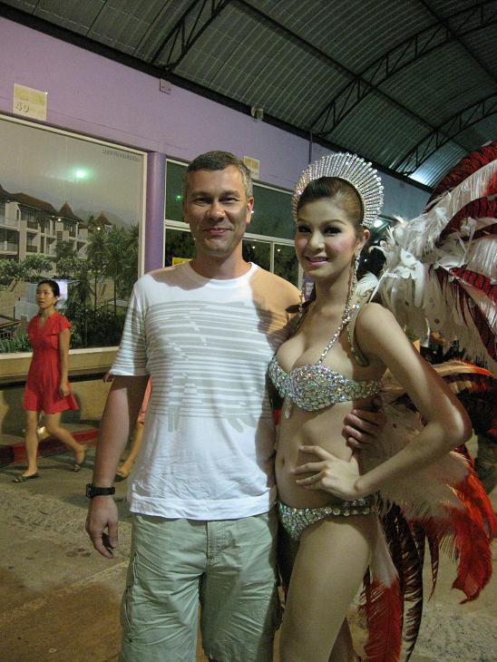 samiy-krasiviy-transvestit-taylanda